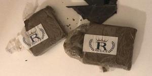 Polisen hittade cirka 130 gram hasch i bostaden. Foto: Polisen