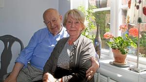 Sune och Margareta Envall trivs bra i kvarteret Josef men   tänker inte bo kvar.