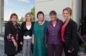 Anna Frisk, Gisela Nilsson, Barbro Björk, Elisabet Finné och Karin Danielsson har alla hjälpt till med den film och det crowdfunding-process som ska ge grundplåt till en skulptur av Frida Stéenhoff.