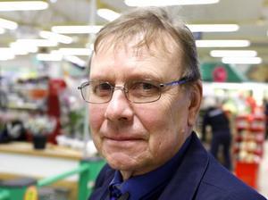 Bennet Jonsson, 61 år, busschaufför, Gävle:– Jag är lite skeptisk till det. Frågan är om kommunen ska ta över allt som föreningar inte har råd med, hockeyhallar och så. Men samtidigt är briggen Gerda bra pr för Gävle.