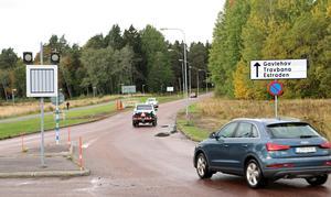 – När bussarna kommer ner till cirkulationen måste de in i bilarnas körfält. Vi bedömer att det ska gå bra, säger Jakob Rönnberg. Under ungefär en halvtimma efter matchslut blir det förbjudet för bilar att köra in på Gavlehovsvägen från cirkulationsplatsen.