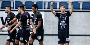 Samuel Holm jublar efter sitt efterlängtade mål. Kenta Jönsson / BILDBYRÅN