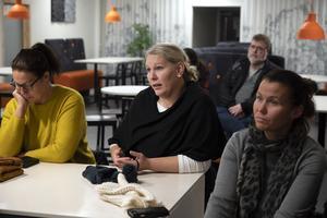Linda Nilsson har barn på Kyrkskolan och hon tyckte att det var pinsamt att kommunen inte tagit fram fakta på varför så många väljer en friskola.