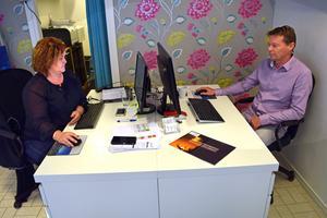 Anna Nilses och Peter Norrström är hemma i Borlänge. Åtta av årets månader tillbringas i Turkiet