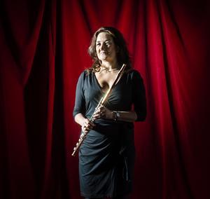 Maria Garlöv Thorsell spelar  den 19 juni sommarmusik för blåsinstrument tillsammans med oboekollegan Eva Lauenstein och Sundsvalls församlings organist Otto Ratz. Bild: Lia Jacobi
