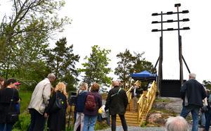 Den 30 maj 2015 invigdes den optiska telegrafen på Engströmsgården. Foto: Grisslehamns intresseförening