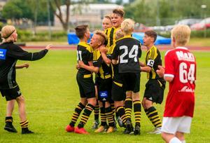 Kubikenborg firar segern i Hudik Cup.
