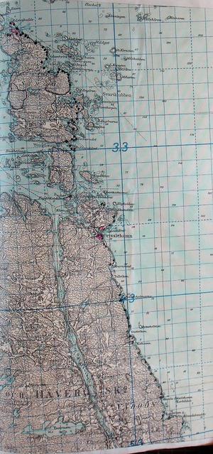 Östhammars försvarsområde omfattade inte bara kusten utan även delar av inlandet. Försvarsområdesstaben var belägen i Harg. Prickarna på bilden visar det som i texten kallas