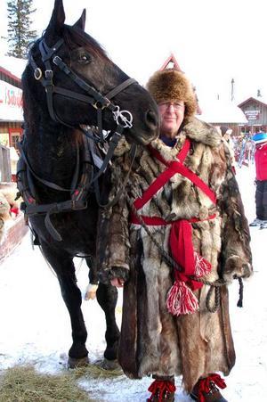 Lennart Bergman med det lettiska halvblodet Martin har åkt ända från Västervik.