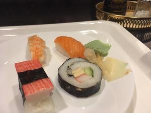Fräsch sushi finns också. Foto: Lunchkollen