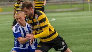 Oliwer Malmkvist fick syna det röda kortet efter två gula i matchen mot Sundbyberg.