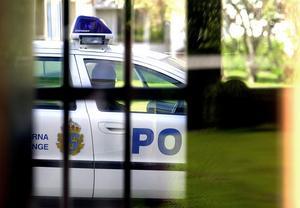 Polisen sätter in extra resurser under midsommar. Och hoppas på ruskväder. Då minskar stöket betydligt. Foto: Johan Solum/Arkiv