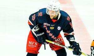 Nicklas Larsson har varit med om att rädda Sura kvar i ettan flera gånger förut – kan han göra det igen? Foto: Stefan Lindgren/arkiv