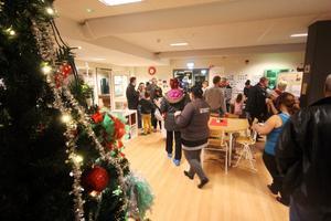 Populär julbasar på Klockarbergsskolans fritids.