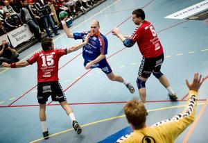 Mikael Johansson på väg igenom i förlustmatchen mot Guif.