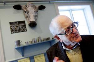 """""""Jag tyckte inte att det fanns någon bok som systematiskt gick igenom bondelivets historia, säger Nils G Åsling, som nu skrivit en bok om just det.Foto: Henrik Flygare"""