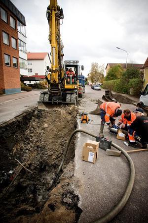 Kommunen har flera gånger de senaste åren tvingats akutlaga ledningar under Vasagatan. Nu tar man ett större grepp.