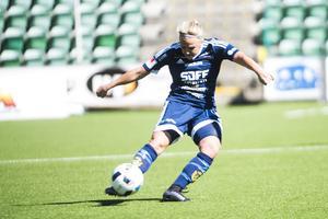 Emma Svärd var med och tre viktiga poäng för sitt SDFF.