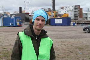 Rikard Urdshals är operativ chef och berättar att de kommer söka under dagen så länge det finns folk.