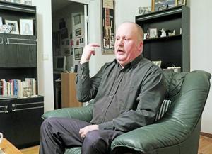 Larz Gustafsson berättar att han som kristen inte kan fira jul.
