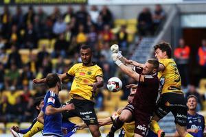 GIF Sundsvalls målvakt Tommy Naurin fick släppa fyra bollar förbi sig på Borås Arena.