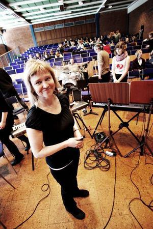 – Eleverna är väldigt positiva. Det kan verka rörigt, men det här blir bra, säger Maria Sjöstedt Björs.