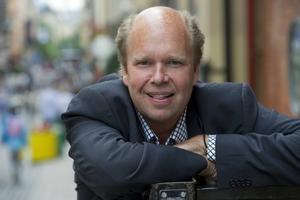 Lasse Kronér leder