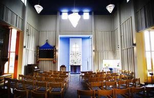 Att skapa en stämningsfull atmosfär har varit en bärande idé genom hela kyrkobygget. Takhöjden är bara ett exempel på hur konstruktionen ska ge besökaren en känsla av högtidlighet.