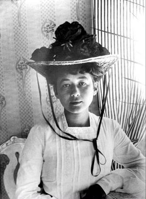 Harriet Bosse gav själv ut sina brev från exmaken August Strindberg i bokform, dock sedan hon själv bränt de brev hon sände honom.