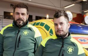 Anders Grönlund och Andreas Blomberg har arbetat som ambulanssjuksköterskor i Östersund sedan 1999 och 2006.
