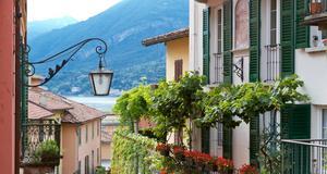 Byt dig till ett fint ställe att bo på under semestern. Kanske vid sjön Como i norra Italien?