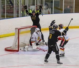 Sollefteå Hockey körde över Kovland fullständigt när man vann med 8-2 i omstarten av division 1 norra.