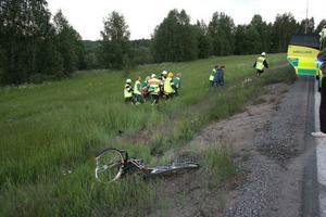 Kvinnan fördes i ambulans till sjukhuset i Hudiksvall.