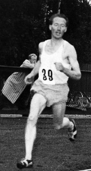 Walter Nyström på löparbanan. Tyvärr vet vi inte vilket år bilden togs.