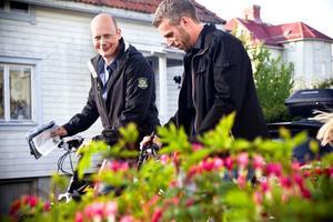 Erik Nilsson och Fredrik Hägglund cyklade vidare efter att de bjudit på sin förrätt.