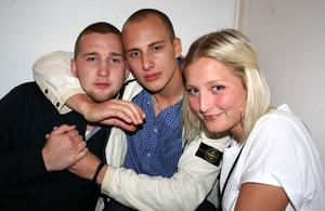 Pluto. Oskar, Daniel och Emelie