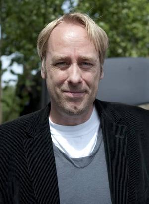 """Skeptisk. """"Det är få filmer som håller för att vara längre än två timmar"""", säger regissören Ulf Malmros."""