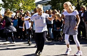Dansuppvisningpå Kolifejet.