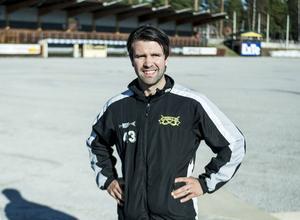 Jonas Svensson skrev på ett nytt treårskontrakt med Ljusdals BK.