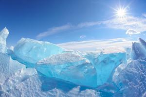 Bajkalsjön - turkos och bländande vacker is.