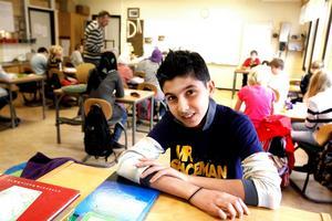 """""""MR SPACEMAN"""". Först landade Anas al-Najjar från Irak på Kometen, som också kallas  Landningen (Andersbergsskolans mottagningsgrupp för nyanlända elever), sedan flyttade han till Galaxen!"""