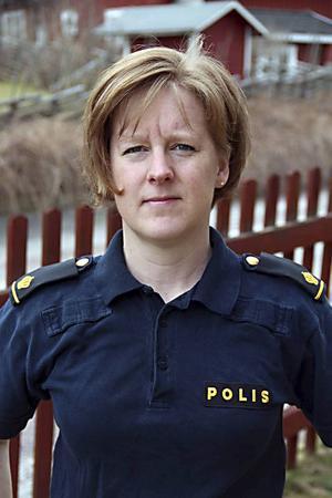 – Jag håller med Dan Eliasson om att läget är akut. Men vi har olika sätt att se på hur läget ska lösas, säger Anna Ekstam, ordförande för Polisförbundet Dalarna.