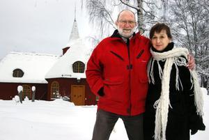 Désirée Grönvall ska jobba som präst vid sidan av kyrkoherde Arne Rubin under en tid. Hennes mål är att bli kvar i bygden.