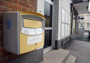 Enligt Postens beräkning får postlådan på Norralagatan 18 ta emot fem brev per dag. Det är för lite för att behålla lådan. Den kommer att plockas bort under nästa vecka.