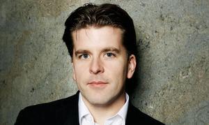 Henrik Ishihara, Politiskt sakkunnig hos Anna-Karin Hatt.