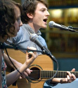 Duo. Nele Waht och Erik Persson bjöd på pop och rock under festivalen på Musikhögskolan.