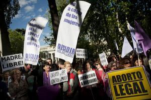 Spanien i fokus. Spanska regeringens förslag till hårdare regler för abort väcker protester.                             Foto: Scanpix/TT