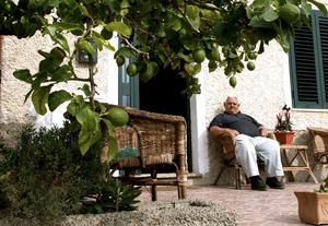Sardinien har aldrig blivit särskilt italienskt. Sarderna har bevarat en enkel livsstil.