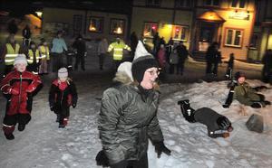 Eva Hägglund ledde julgransplundringen.