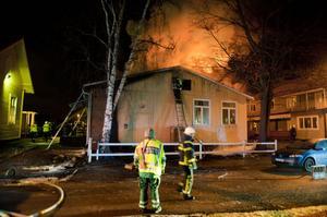 Räddningstjänsten lyckades förhindra branden att sprida sig till den Stureskolan och närliggande bostadshus.